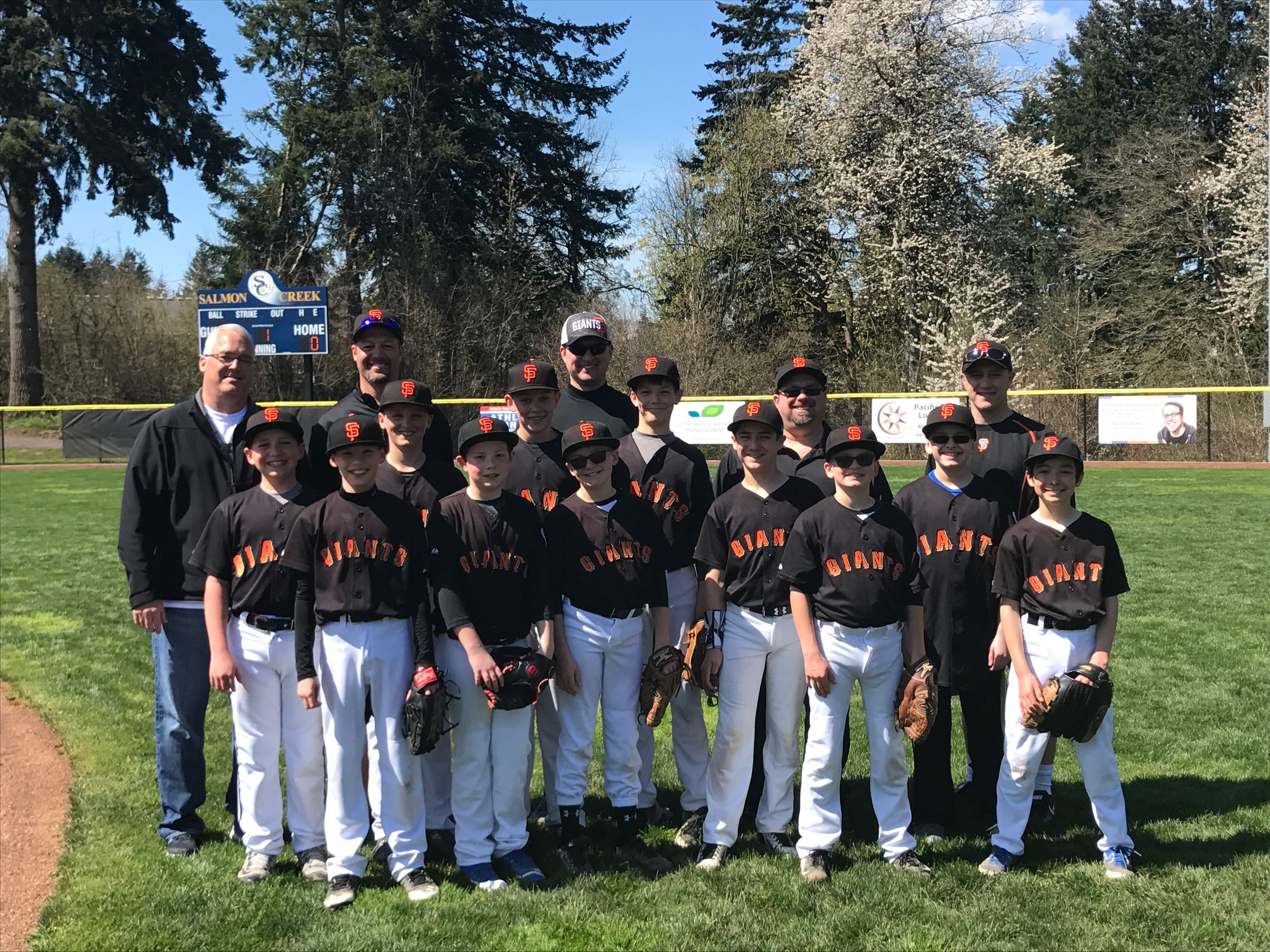 Dr.Bowyer with Salmon Creek Little League Team
